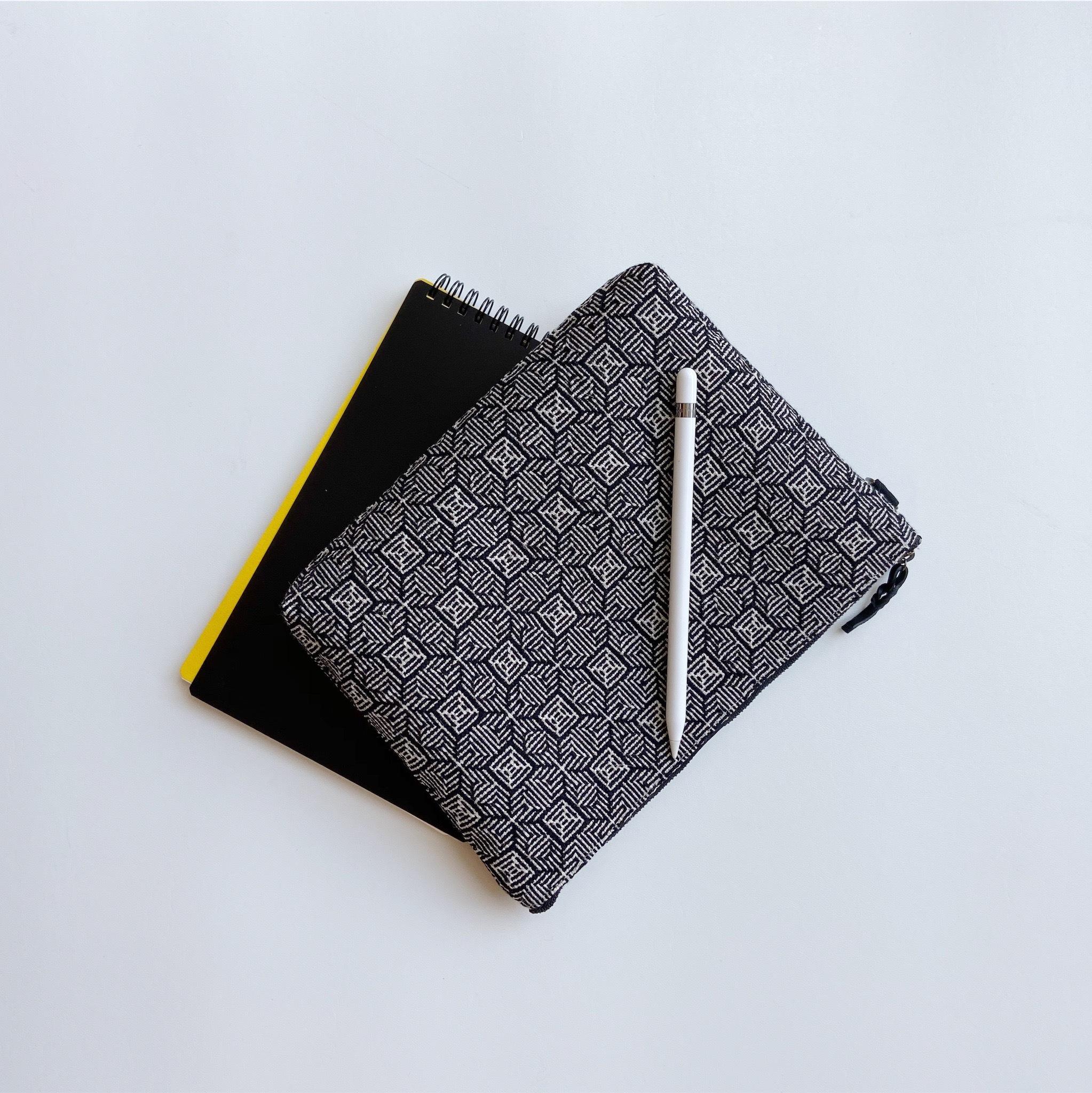 手織りクラッチバッグ(Clutch bag 25cm  Black Clover)