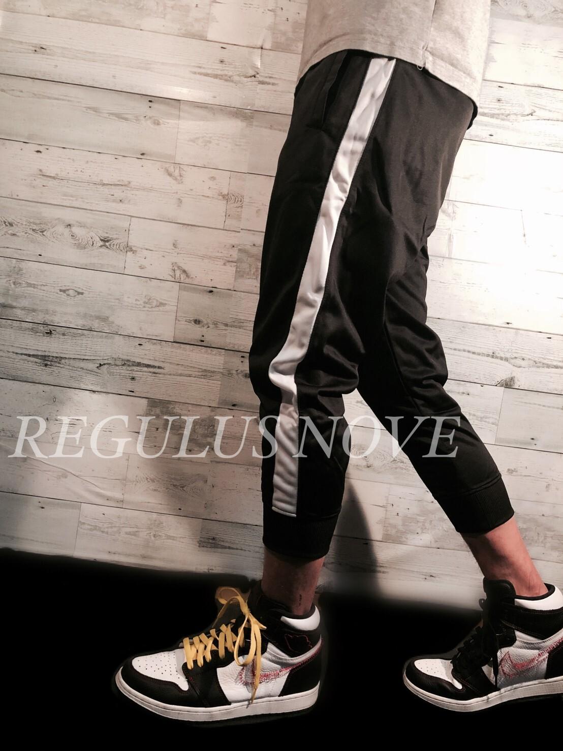 REGULUS NOVE サイドラインクロップドジョガーパンツ スウェット ルームウェア スポーツウェア 運動着 トレンド パンツ ボトム ジョガーパンツ