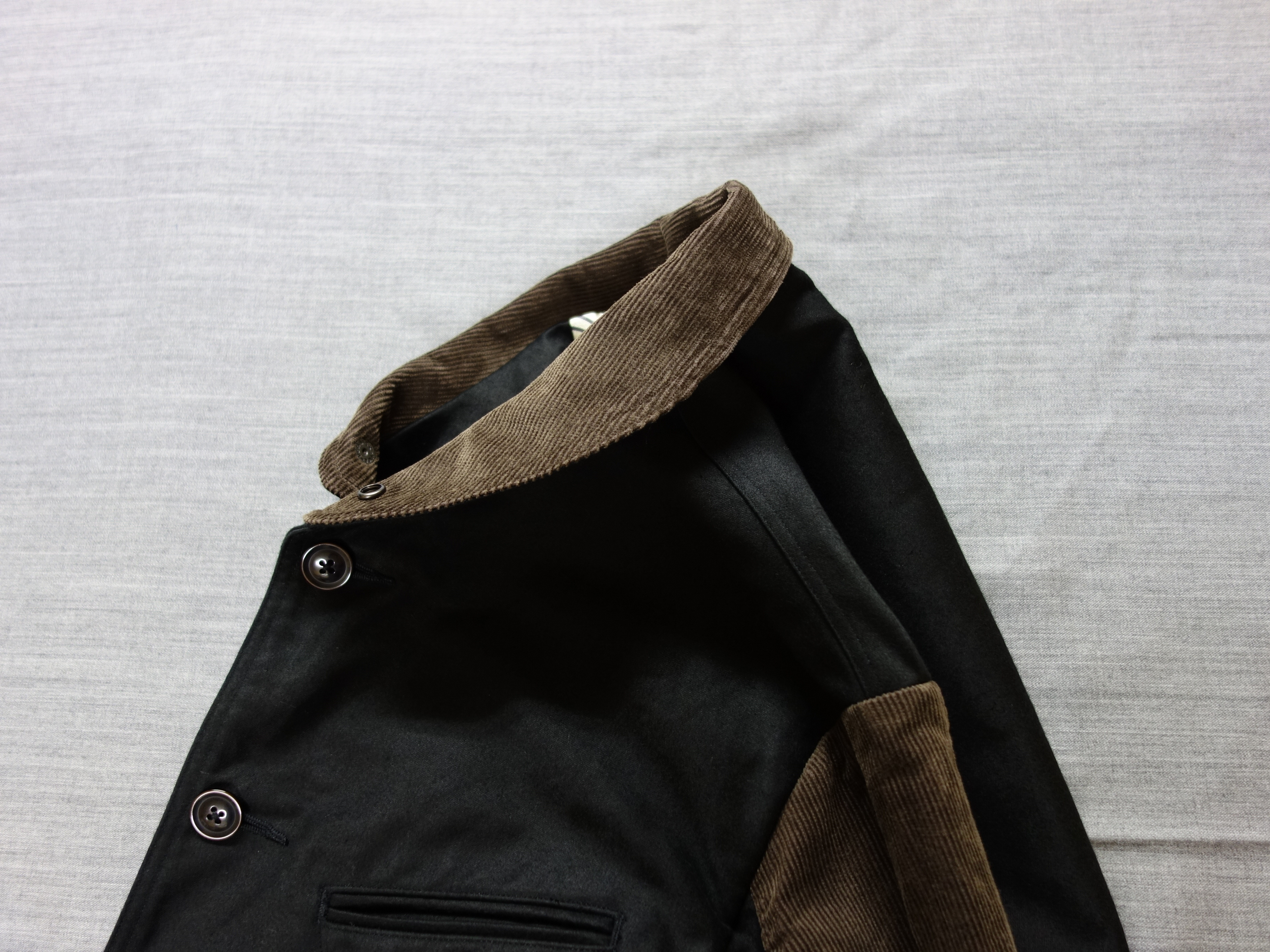 classic moleskin hunter jacket / black x brown