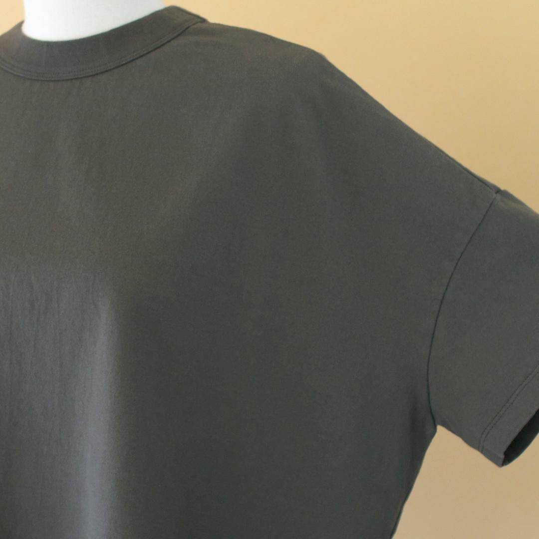 TRAVAIL MANUEL トラバイユマニュアル クラシック天竺スリットTシャツ・オリーブ