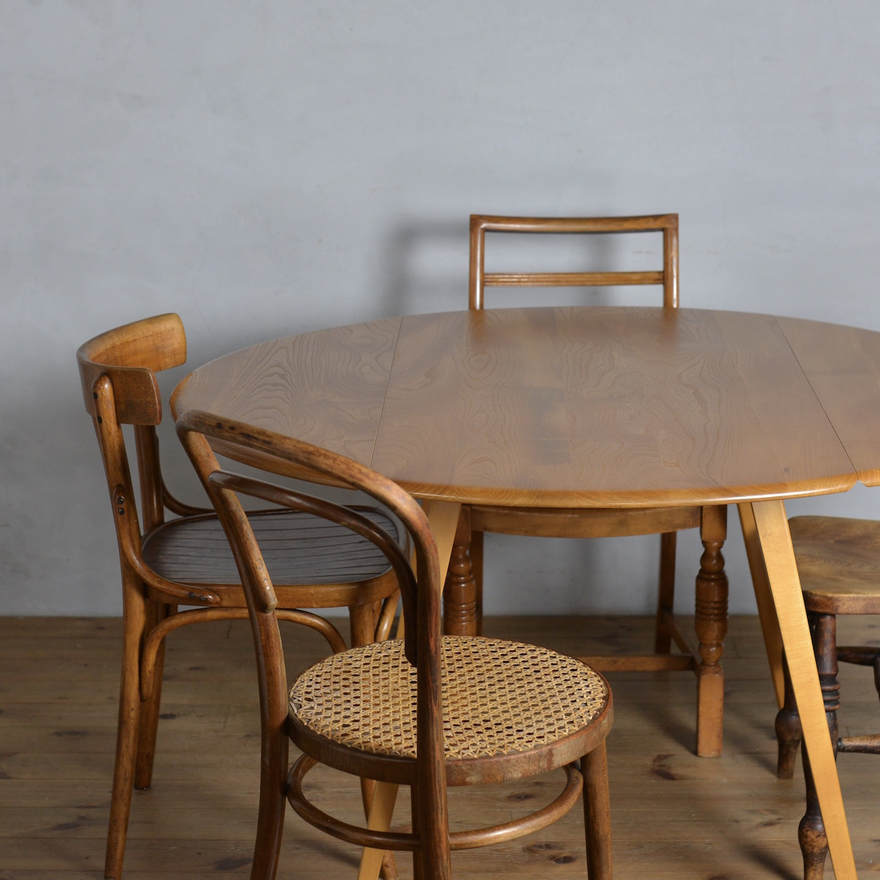 Ercol Oval Drop Leaf Table / アーコール ドロップ リーフ テーブル 〈ダイニング・伸張式・円卓・北欧〉 SB2010-0004