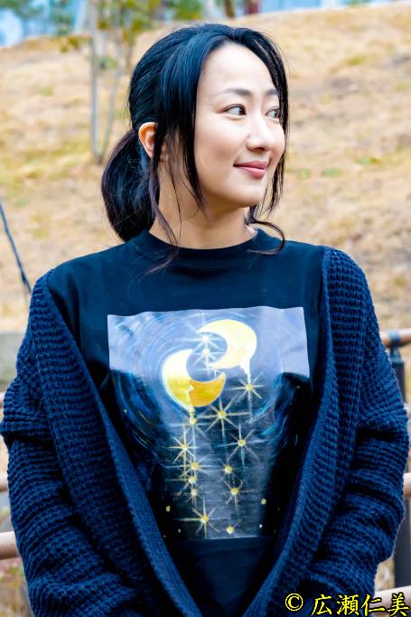 ロングアートTシャツ ~Healing pain thanks to shining moon~