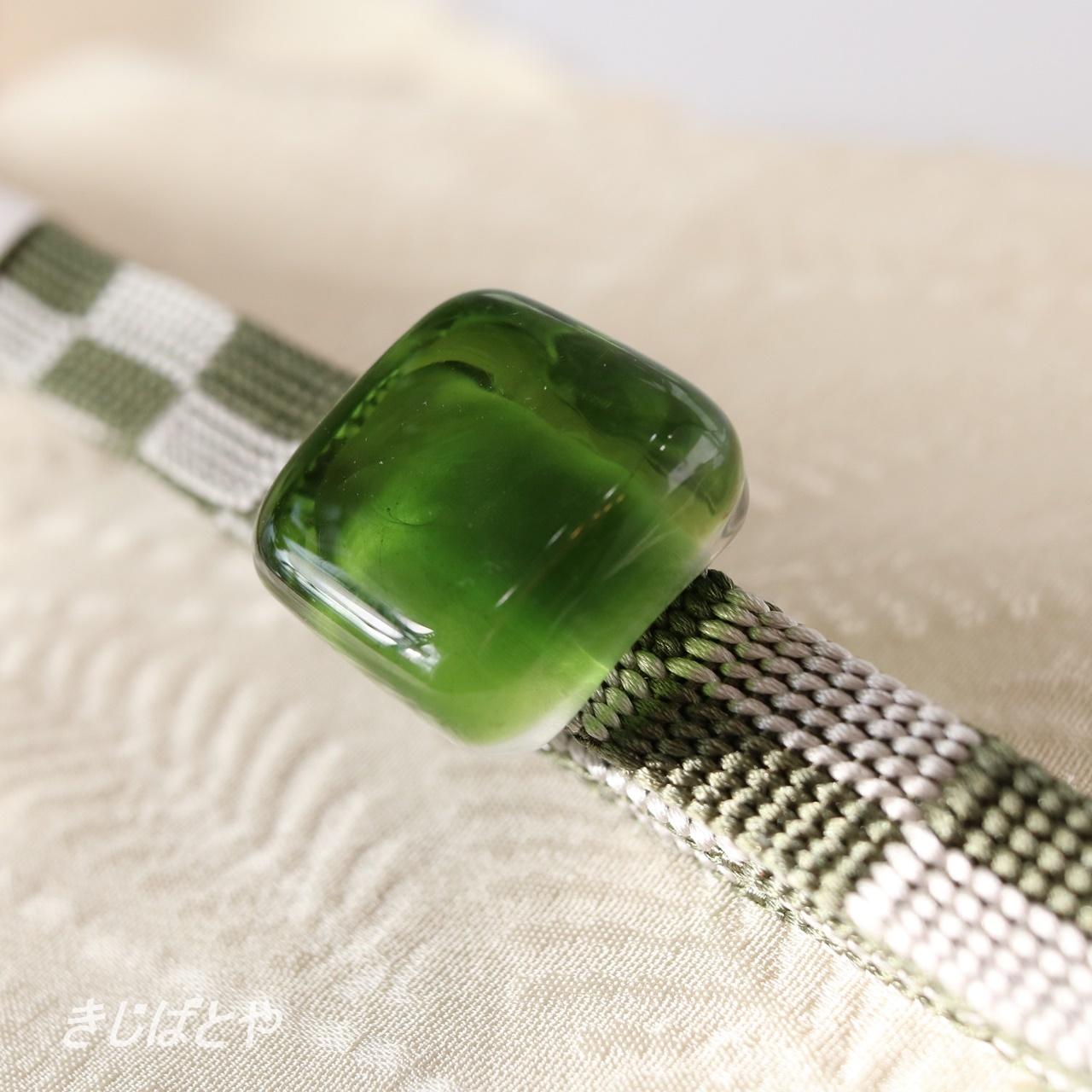 【N様ご予約品】正絹 市松の三分紐ガラスの帯留めつき 碧