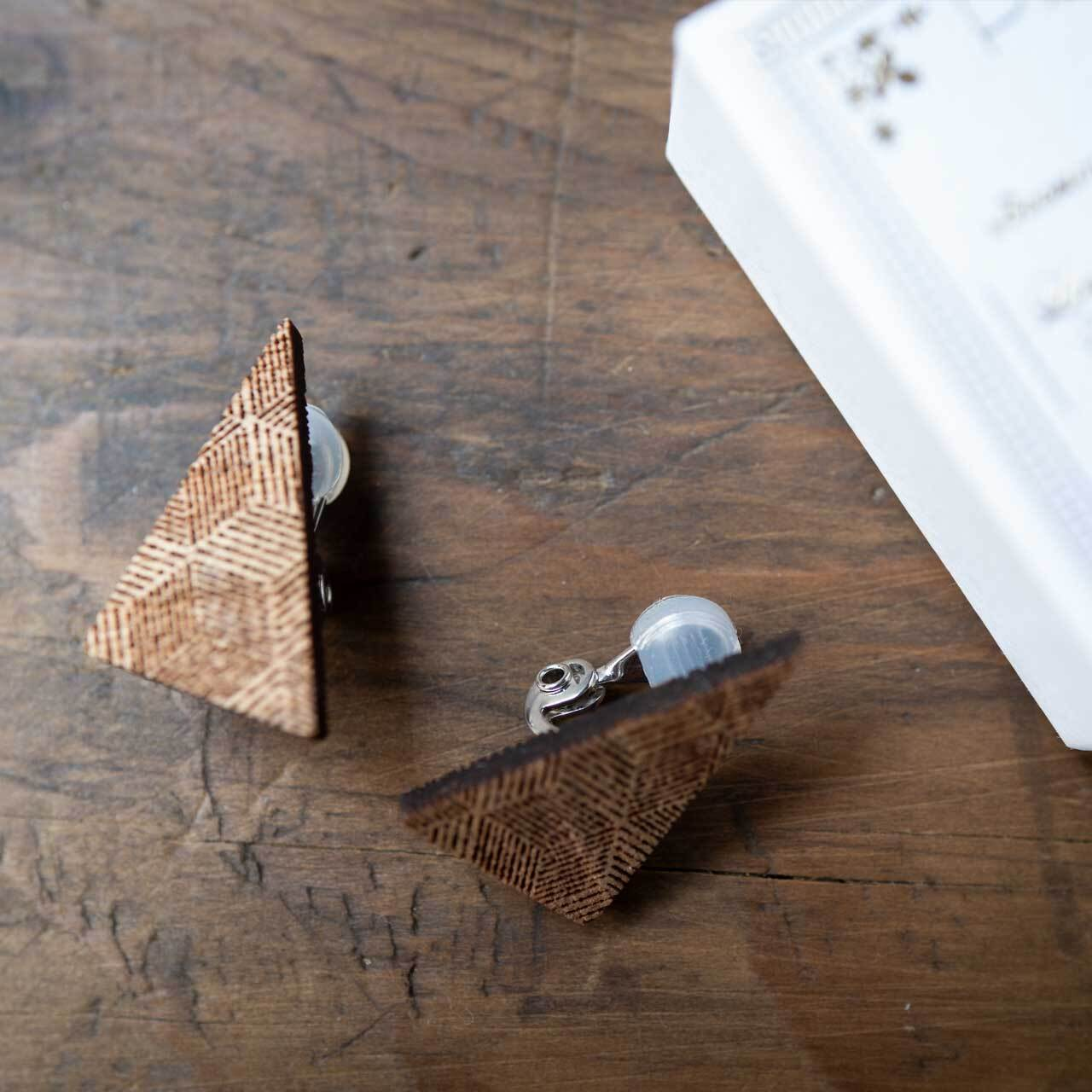 right triangle / 直角三角形(Pierced Earring)