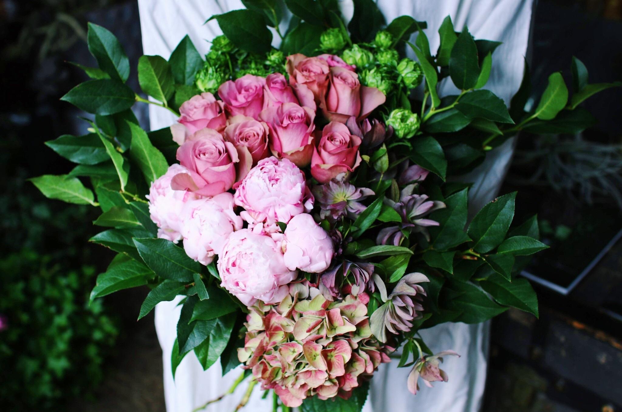 ご自宅用季節のお花L(札幌市内限定)