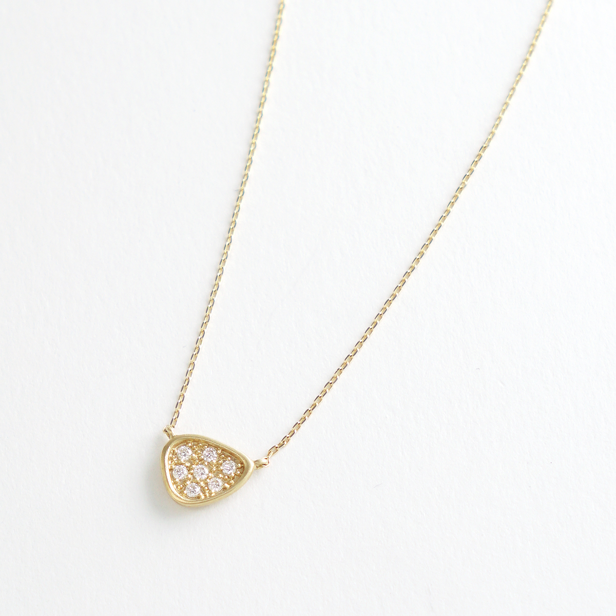 The Heritage triangle necklace