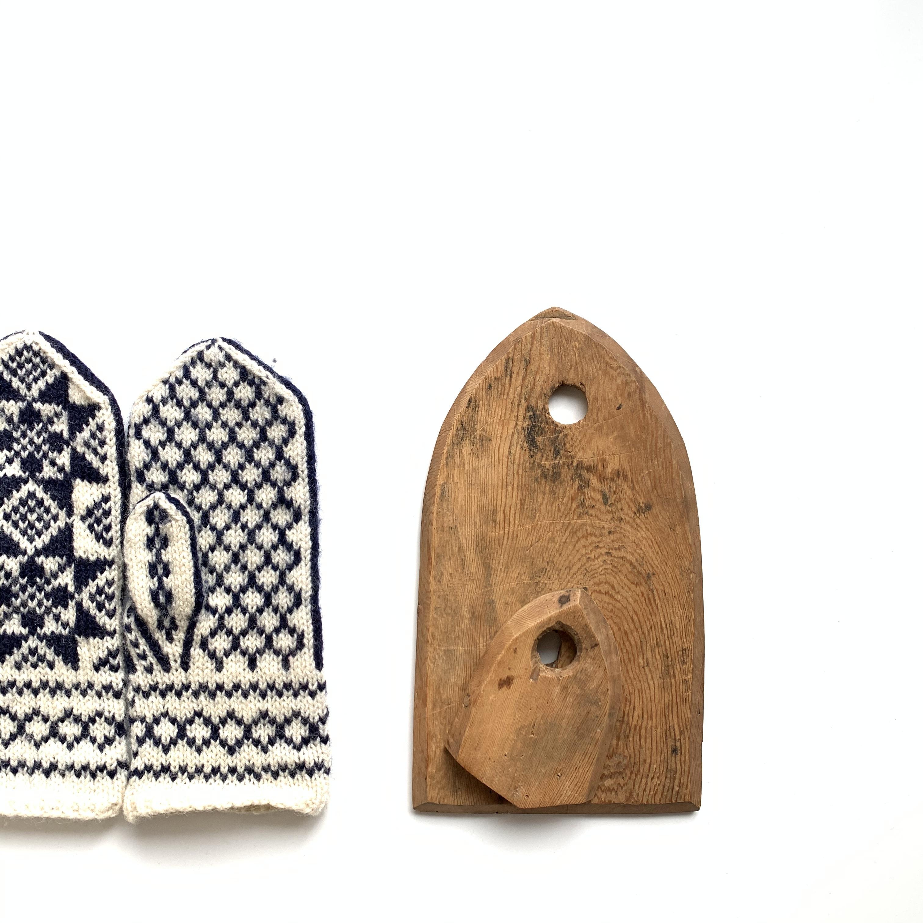 Wooden Mitten Blocker