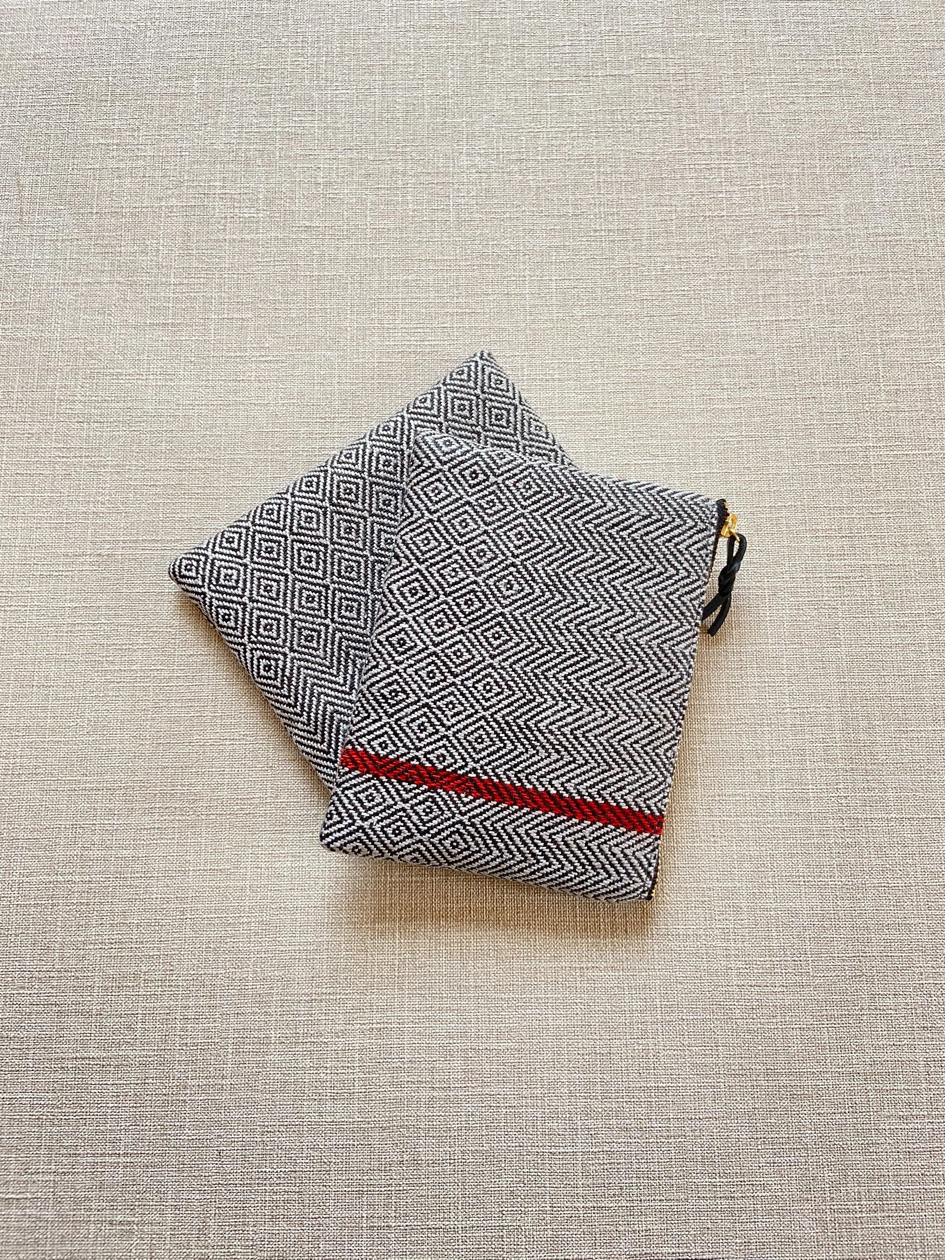 手織りミニポーチライン#3(HAND WOVEN POUCH 14cm RED LINE #3 )