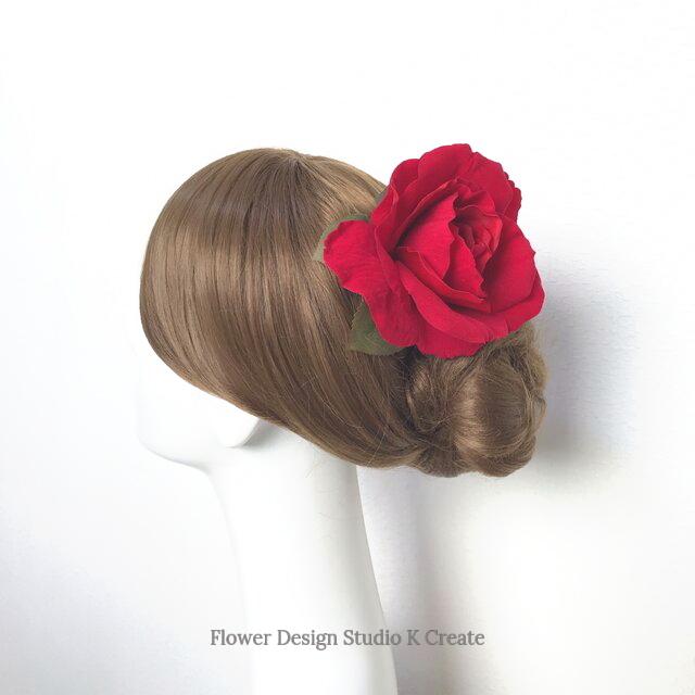 受注制作:再販:フラメンコ・ベリーダンス・発表会に♡ベロア調の赤い薔薇のヘアクリップ