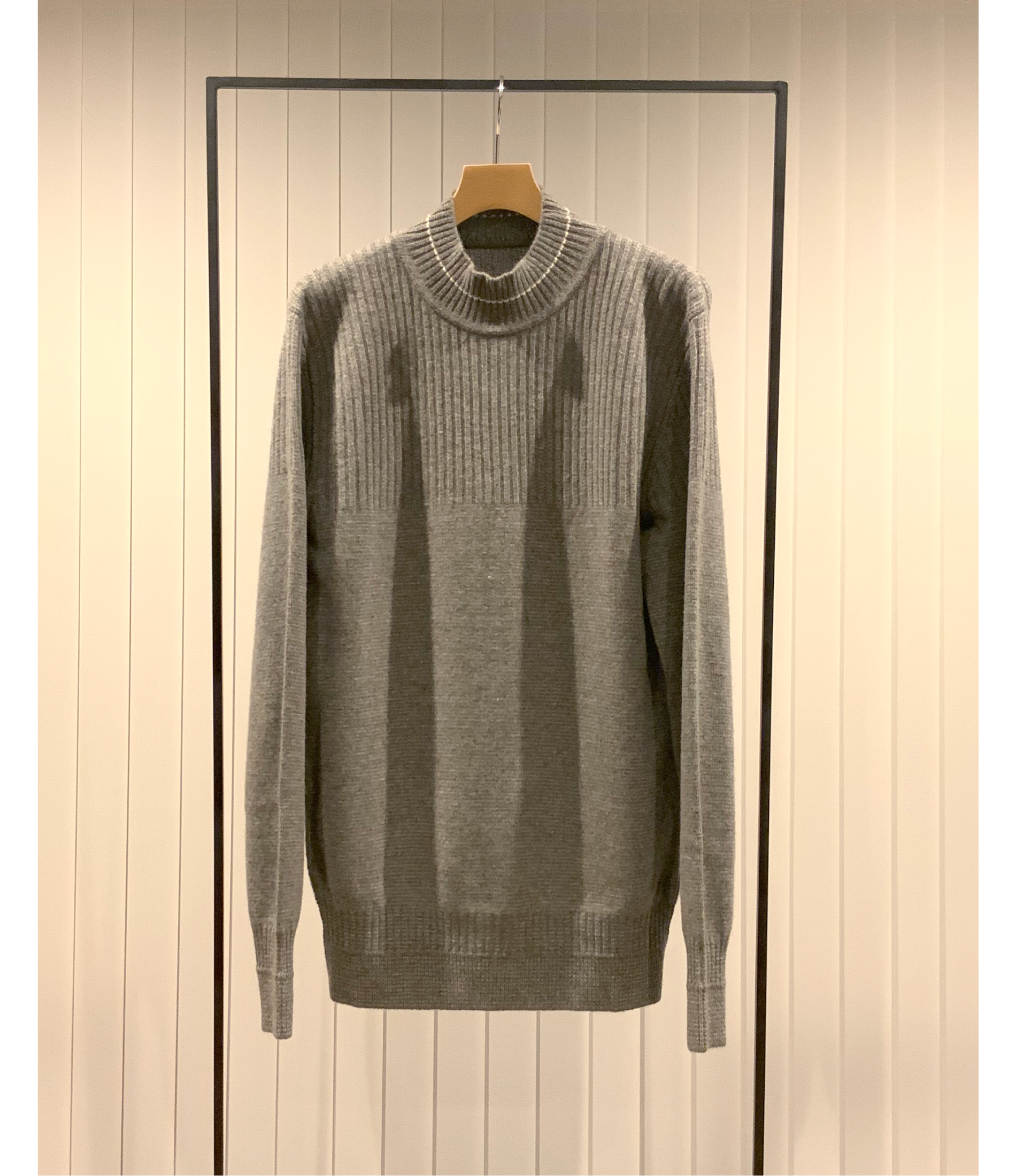 Switching Stiched Mock-neck Sweater / Grey