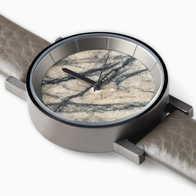森の腕時計(Grey Tree Stone)