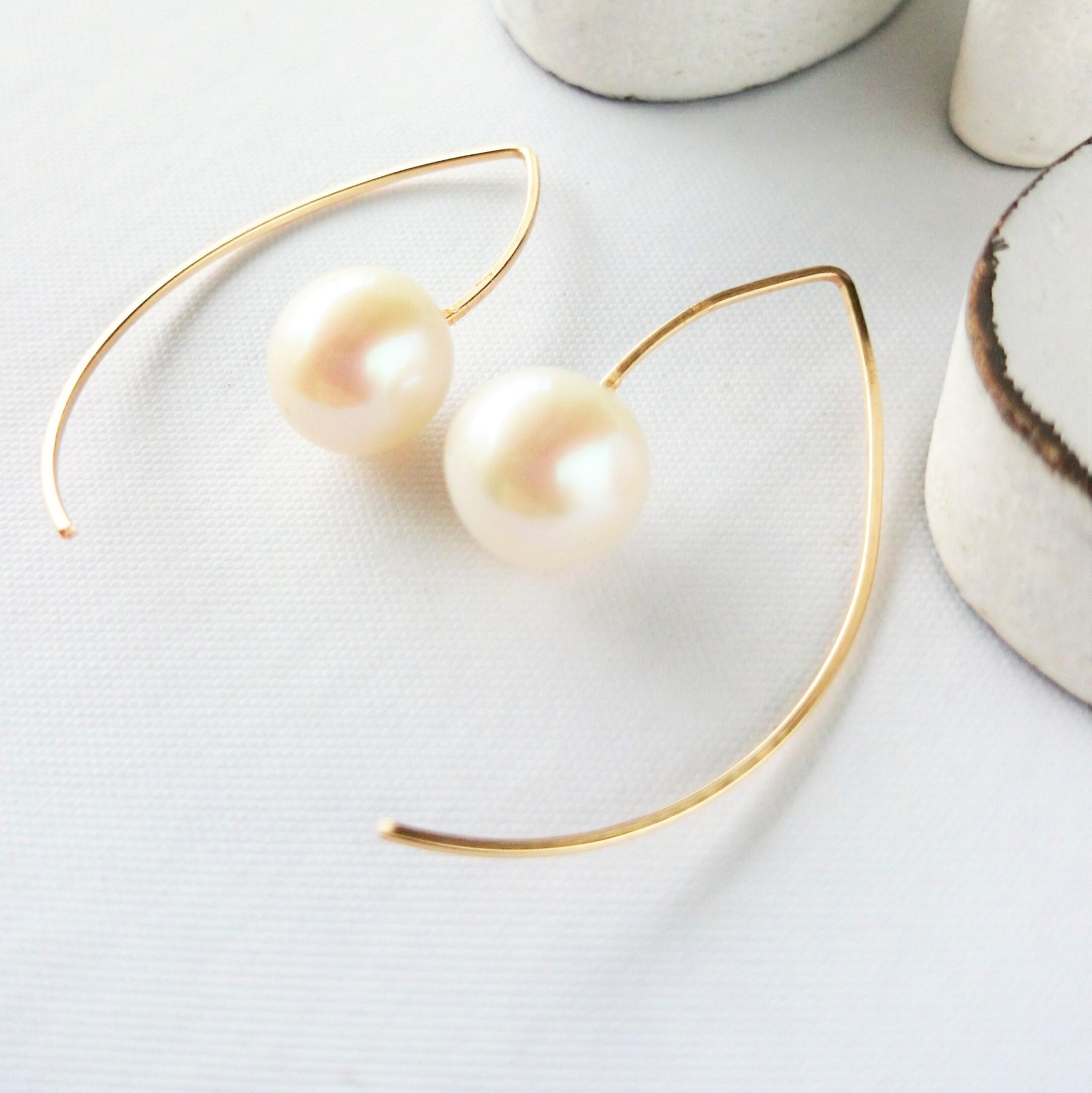 送料無料 14kgf*AAA big round pearl marquis pierced earringパール