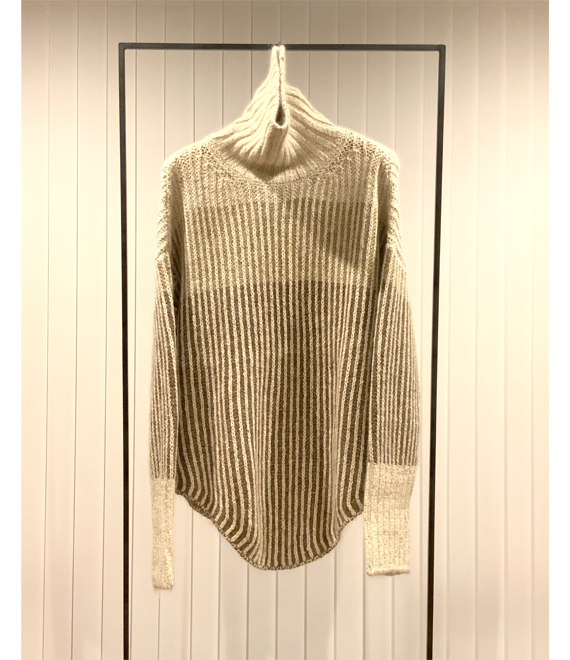 Color Block High-neck Sweater / Ivory