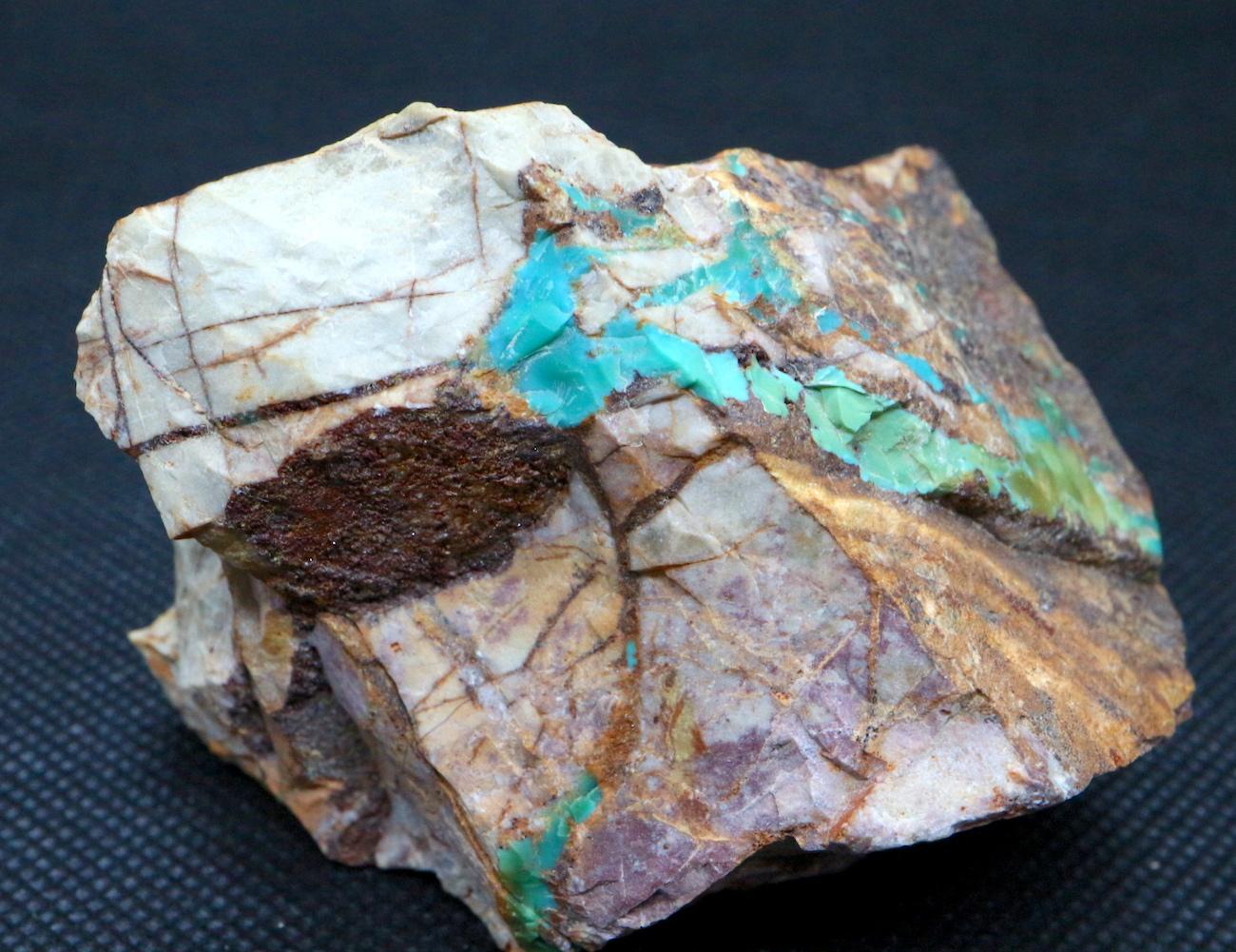 ロイストン ターコイズ トルコ石 ネバタ州産 原石 190g TQ144 鉱物 天然石 パワーストーン