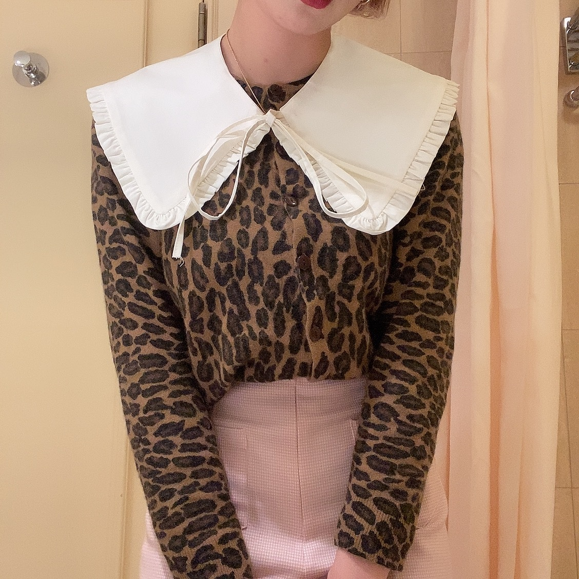 big attached collar