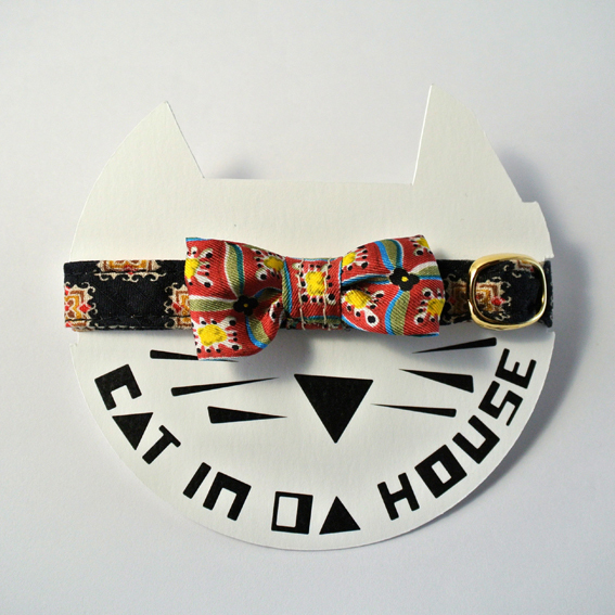 cat's collar vintage printed fabric_0321_d