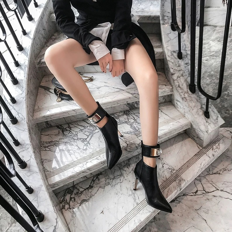 ankle belt boots