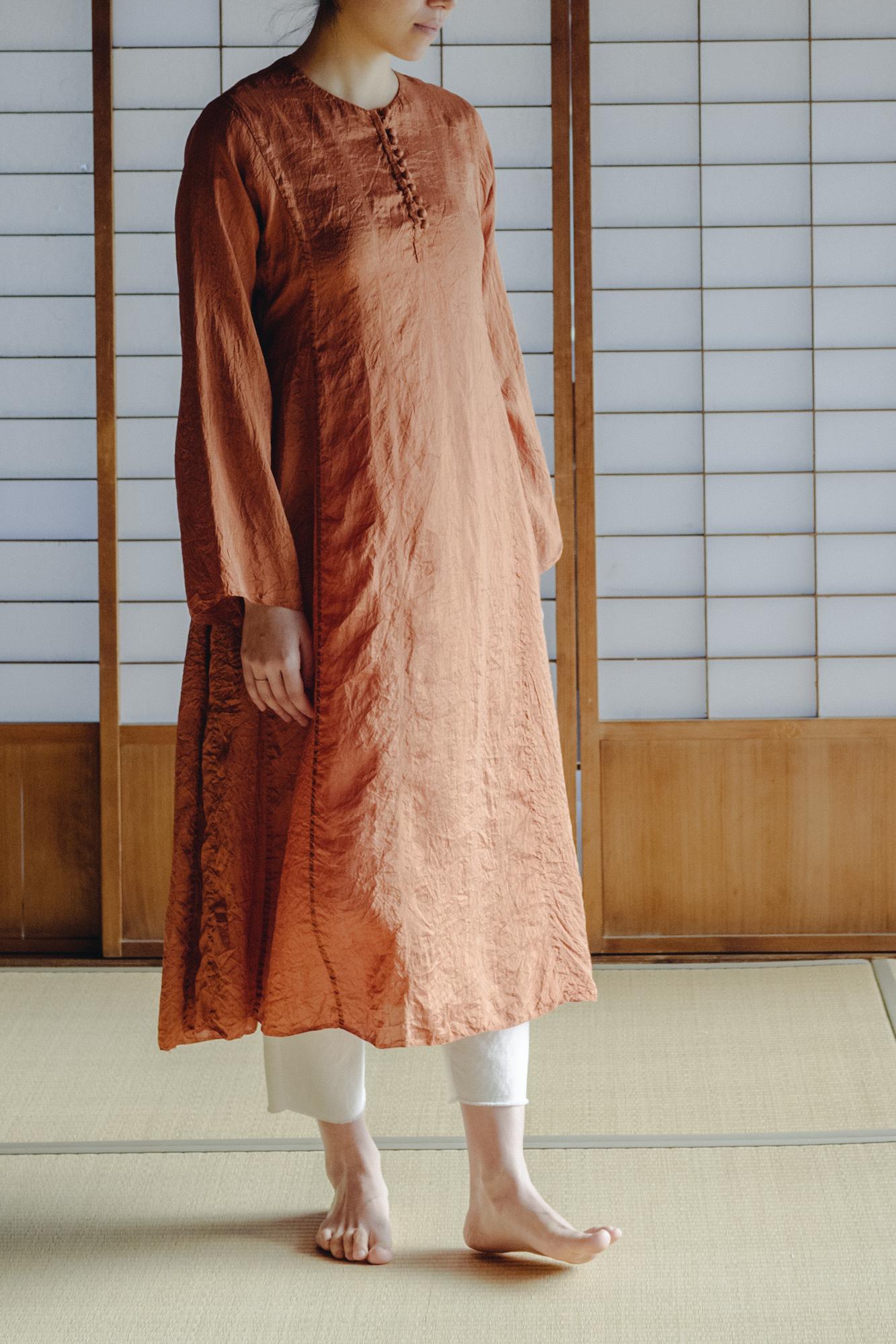 YAECA silk khadi |ボタンドレス Cinnamon