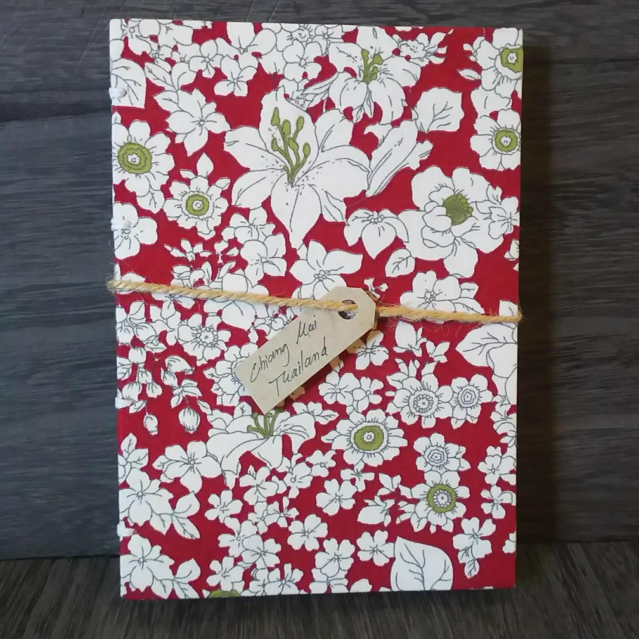 チェンマイ 100%ハンドメイドの日記帳 レッド