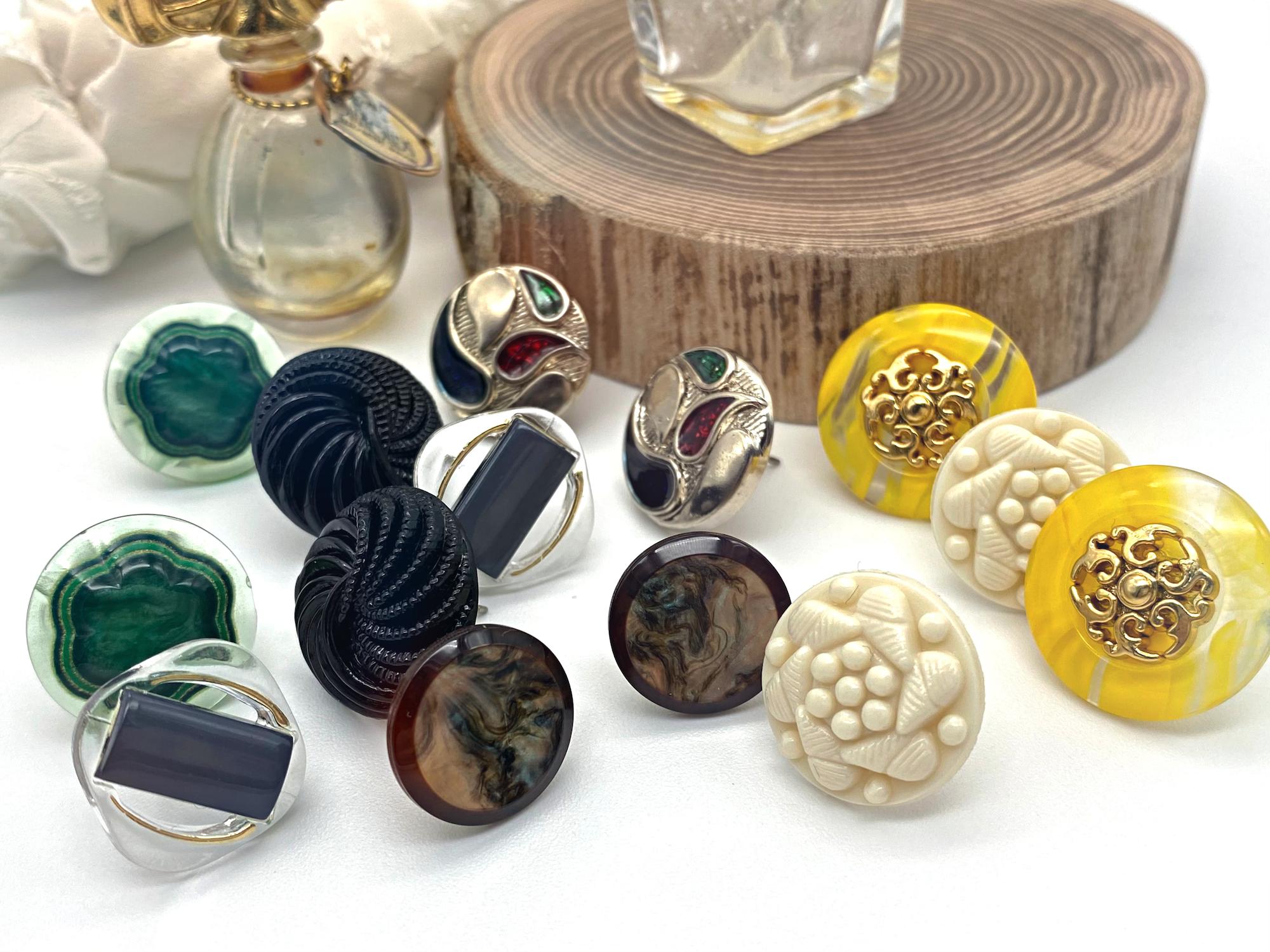 Mimi ー vintage button pierced earrings ー [別売り]