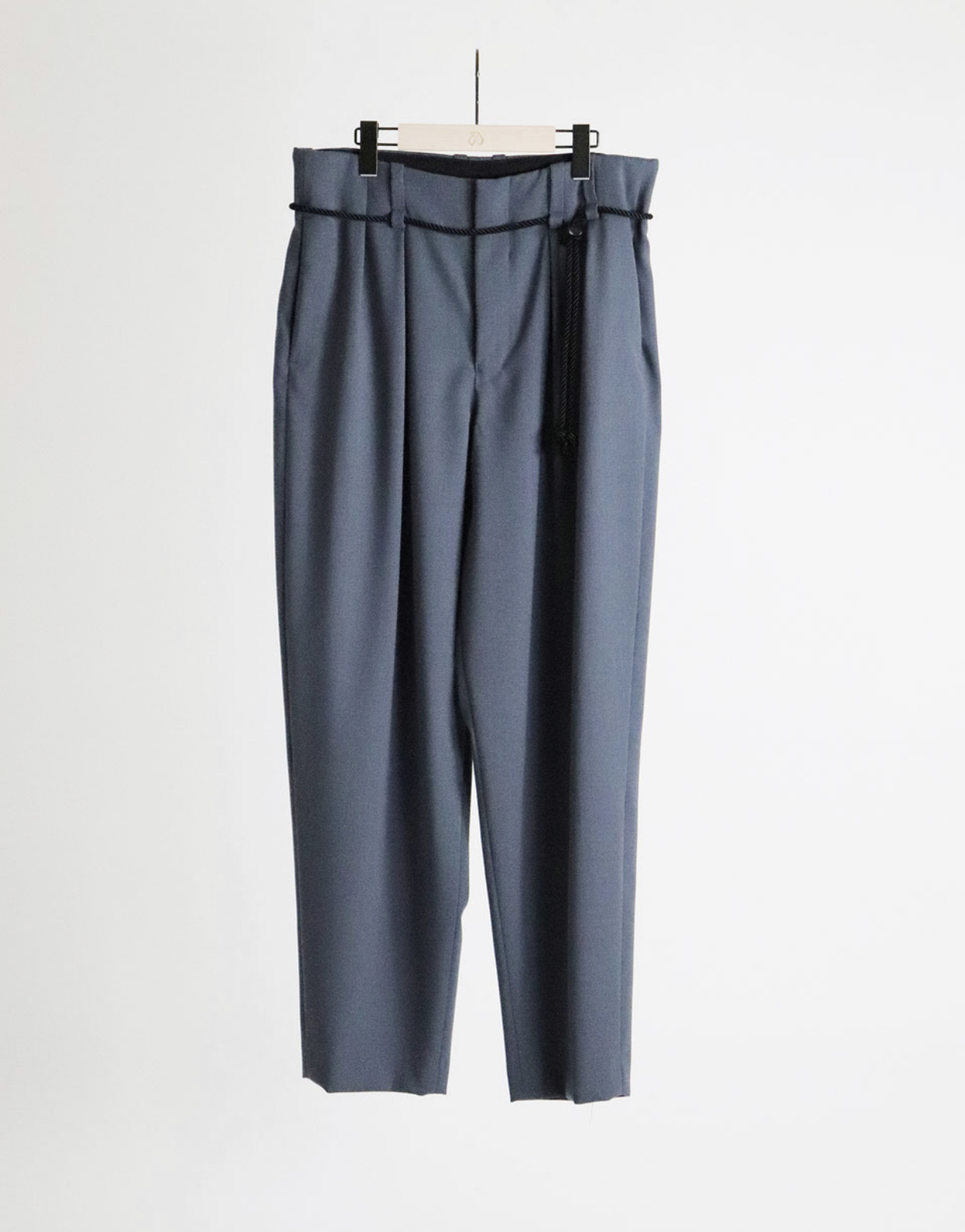 【ETHOSENS】Tucked slacks