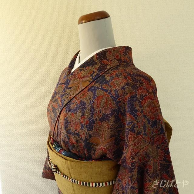 正絹ちりめん 紺の更紗の小紋 袷の着物