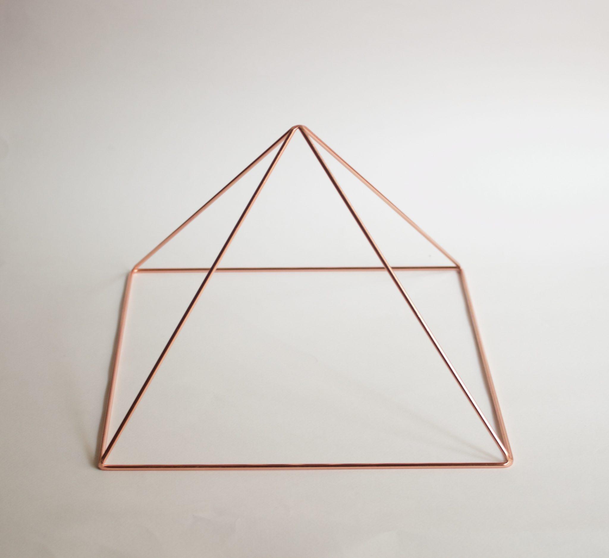 メディテーション 瞑想 ピラミッド 銅製 183cm X 183cm (底辺)