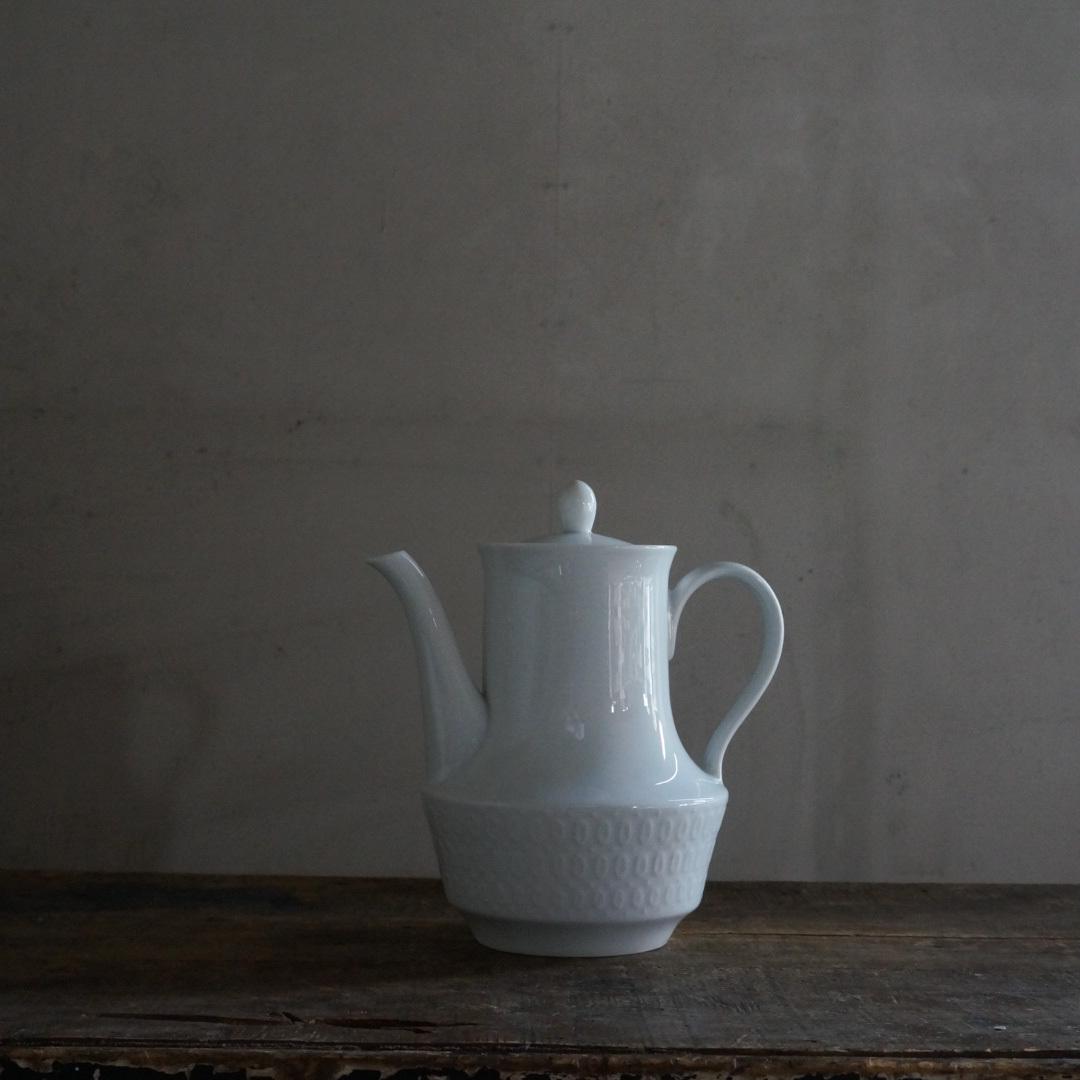古い国産の陶器ポット