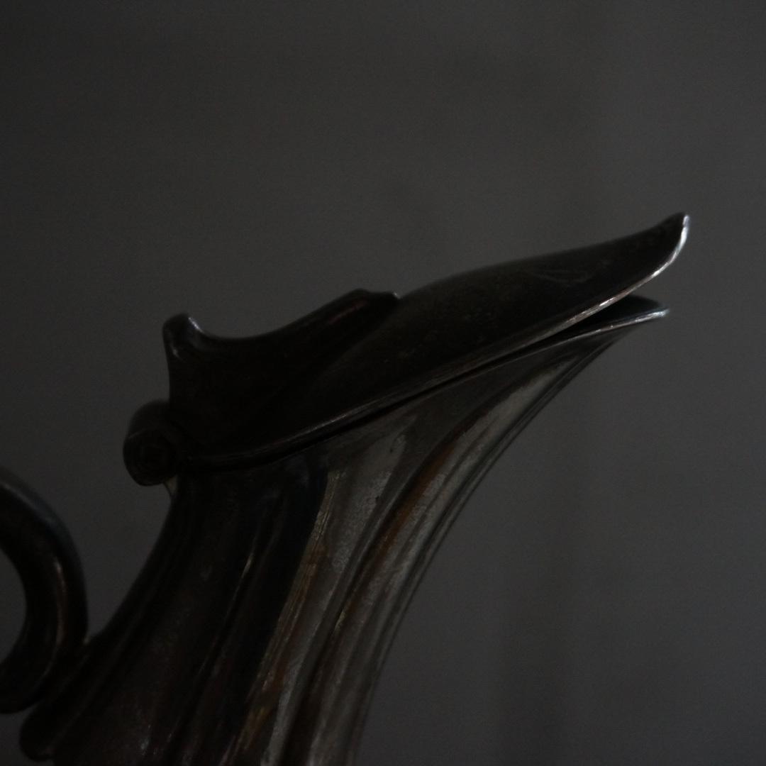 古いベルギーのガラスピッチャー