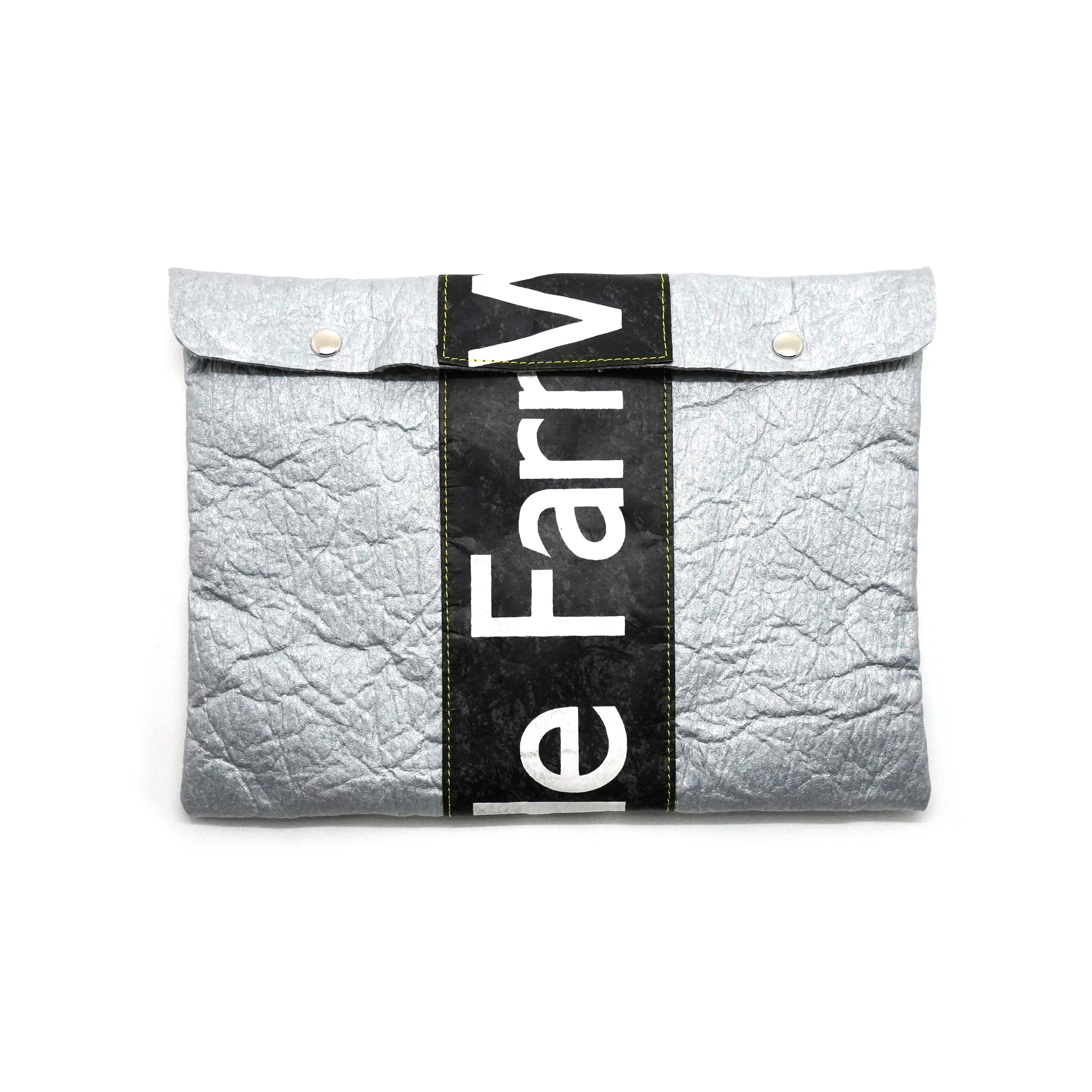 2way Clutch Bag / Metallic Wrinkled Silver