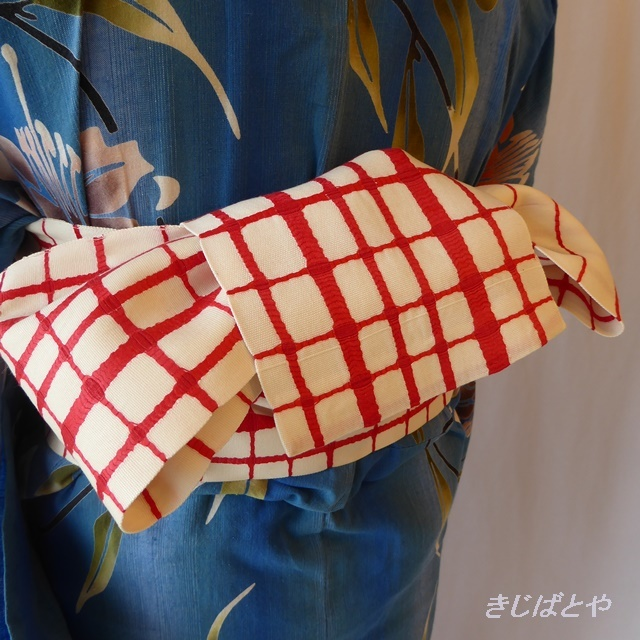 正絹紬 白地に赤の格子の半幅帯