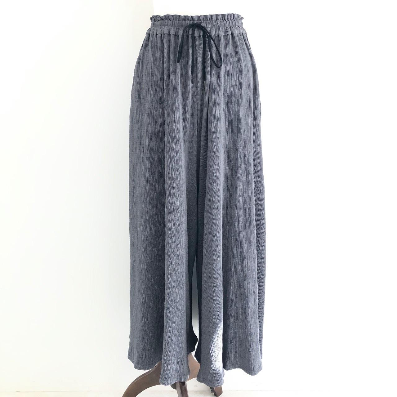 【 QTUME 】- 052-26572 - プリーツパンツスカート