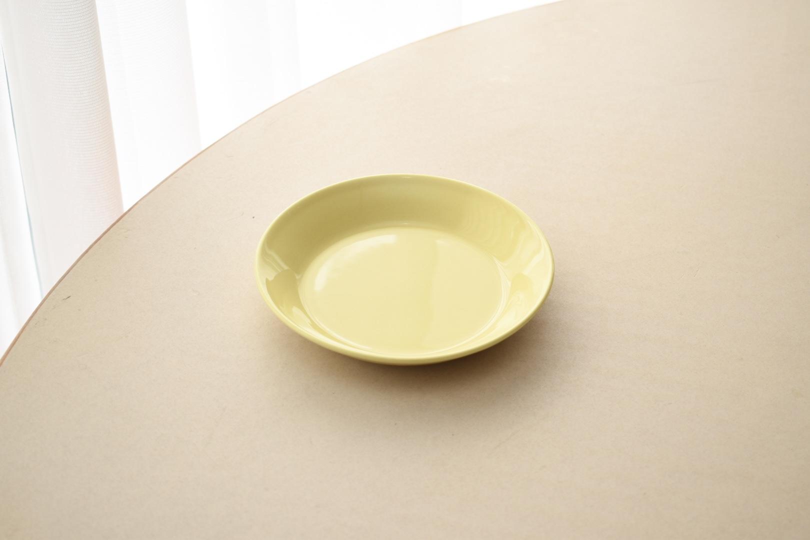 arabia teema cake plate yellow(Kaj Franck)