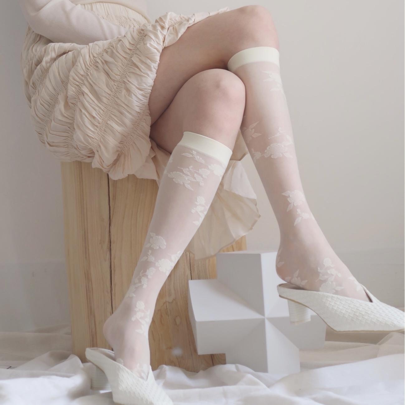 flower high socks  2c's