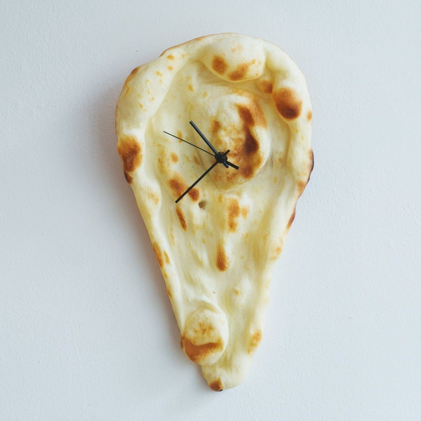 PAMPSHADE(パンプシェード)   NAAAAN time?「今、ナン時」  (時計・壁掛け時計・電池タイプ)