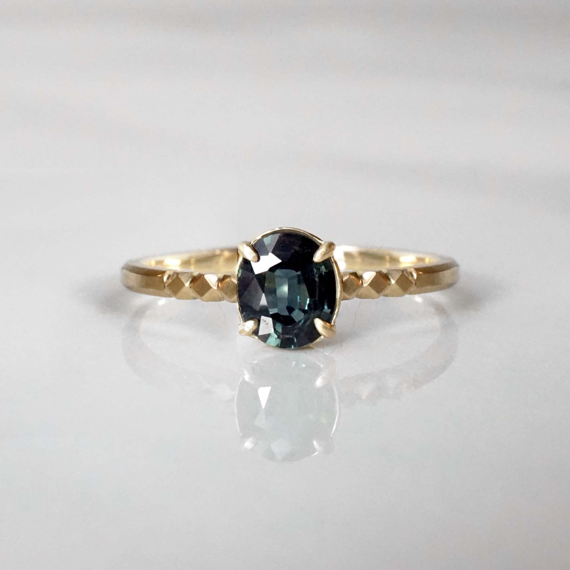 Green Sapphire Ring(R344-GSA)