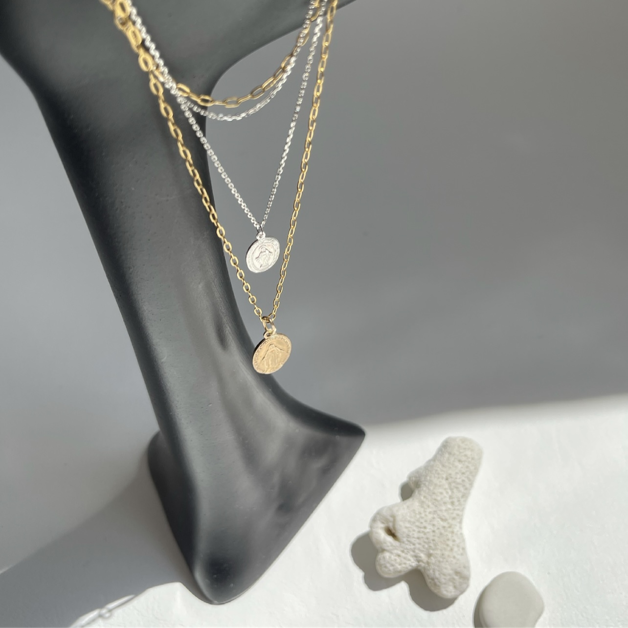 Maria Medai Oval Coin x Silver  / ネックレス