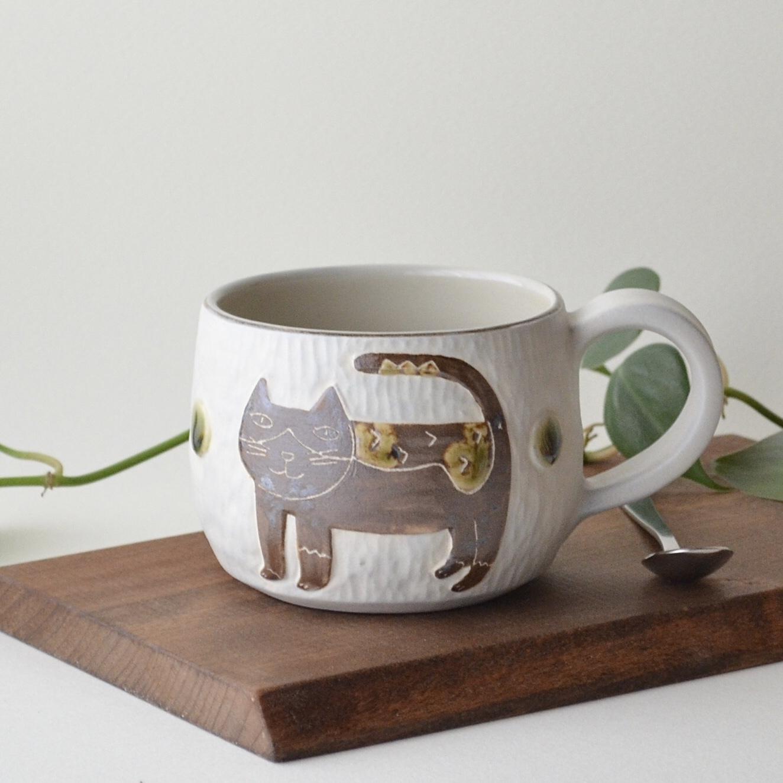 【直販限定】ハチワレネコの手彫りレリーフマグカップ 2
