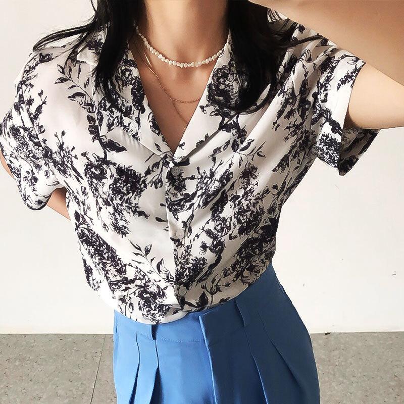 フラワークラシックシャツ   柄シャツ 花柄シャツ 韓国服 人気