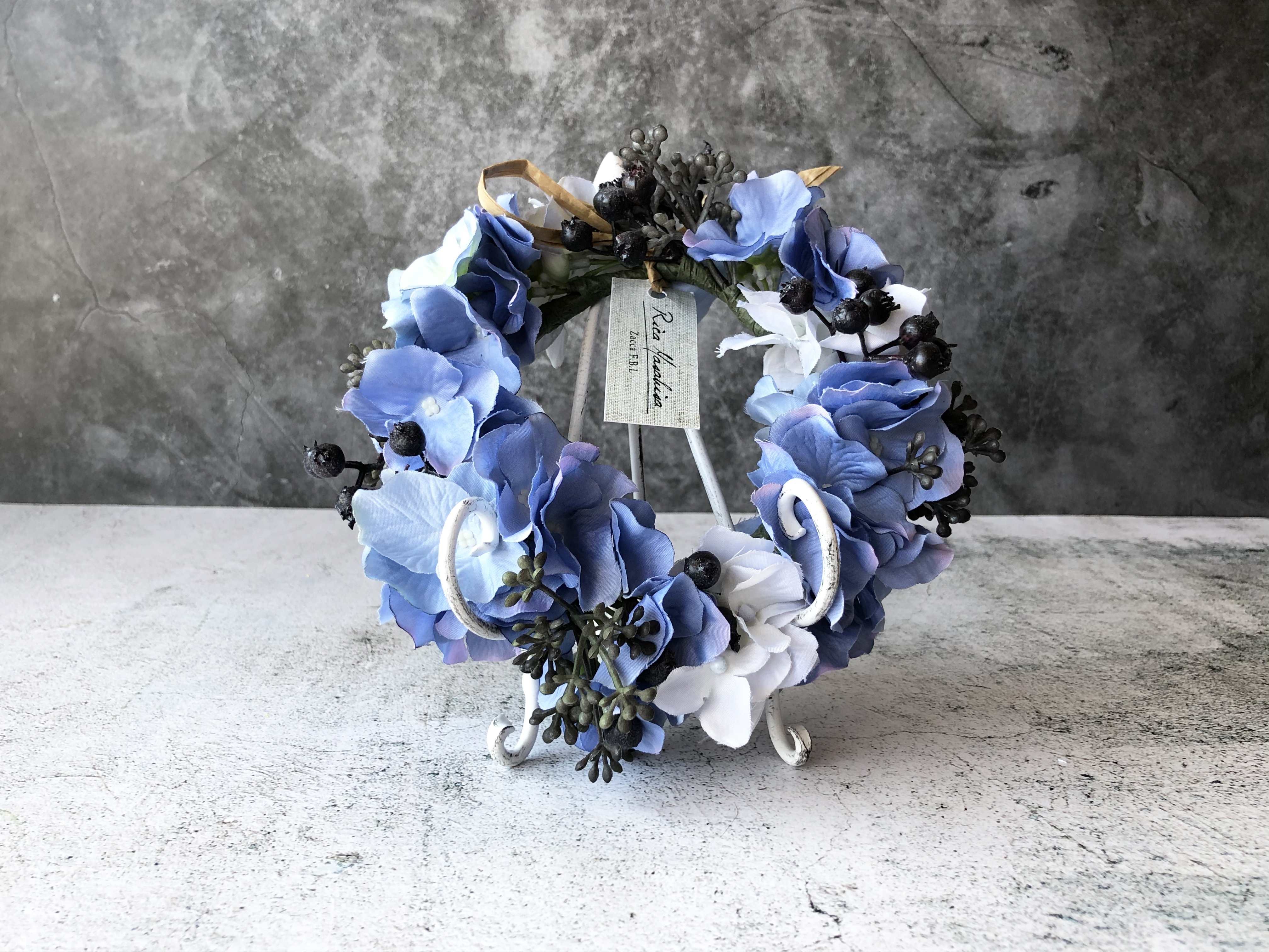 NiziP 虹の橋の約束/Blue  (花かんむり+スタンド付/送料込)
