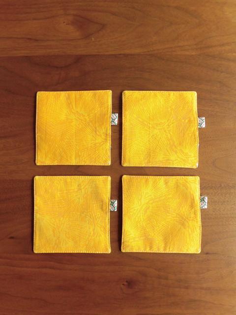 manokoko リバーシブルコースター 【yellow×brown】 ハンドメイド 雑貨