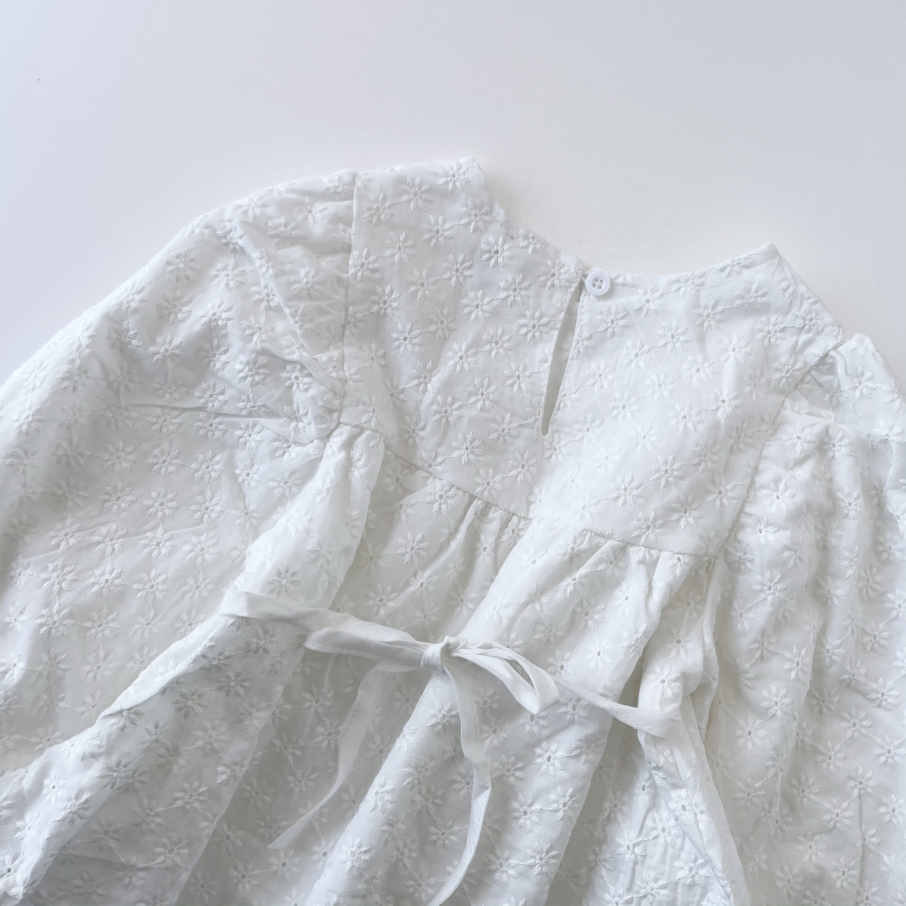 NO.1249 embroidery back ribbon blouse