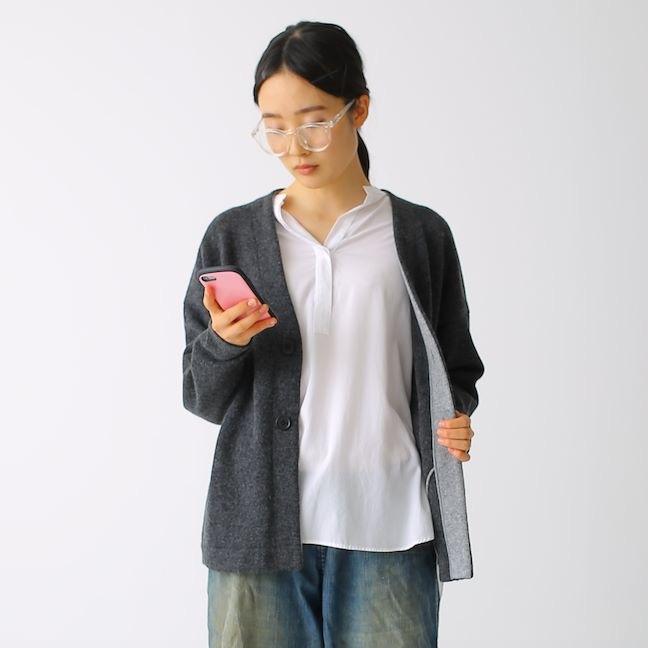 410008_Color scheme Cardigan(チャコール×Mグレー)