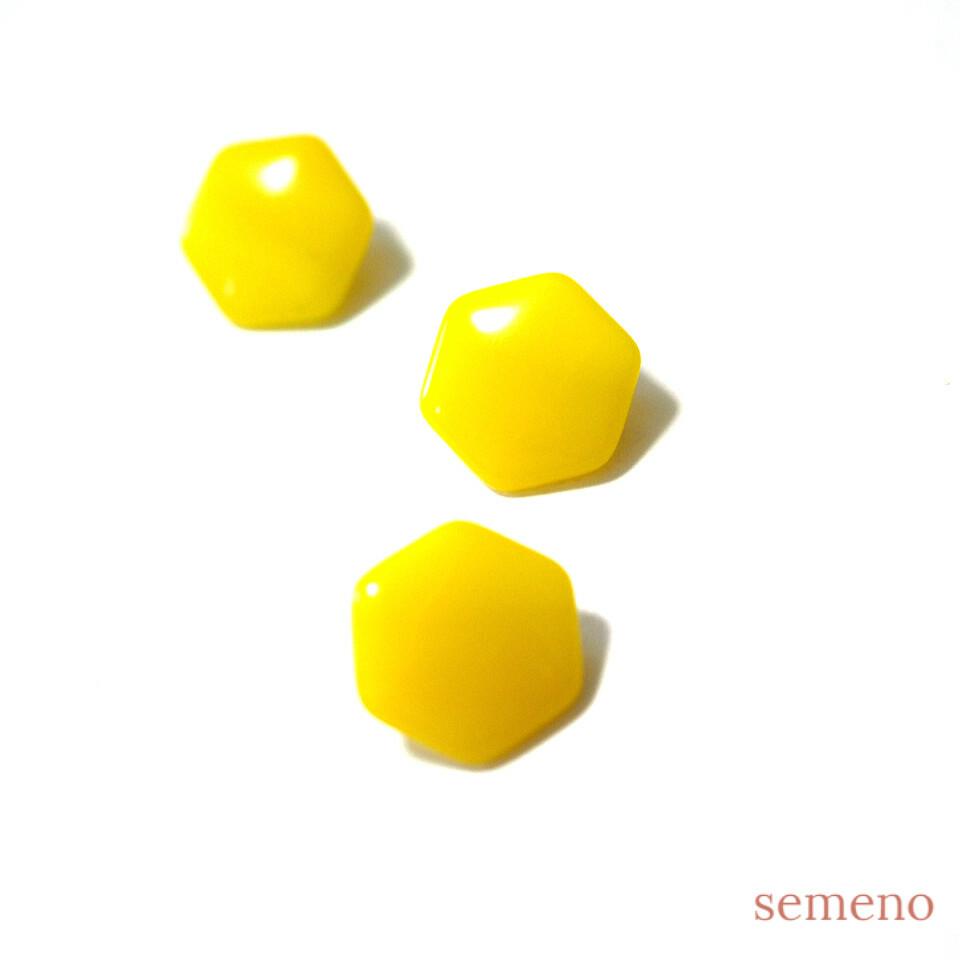 黄色 六角形 ヴィンテージボタン チェコガラスボタン PCZB269