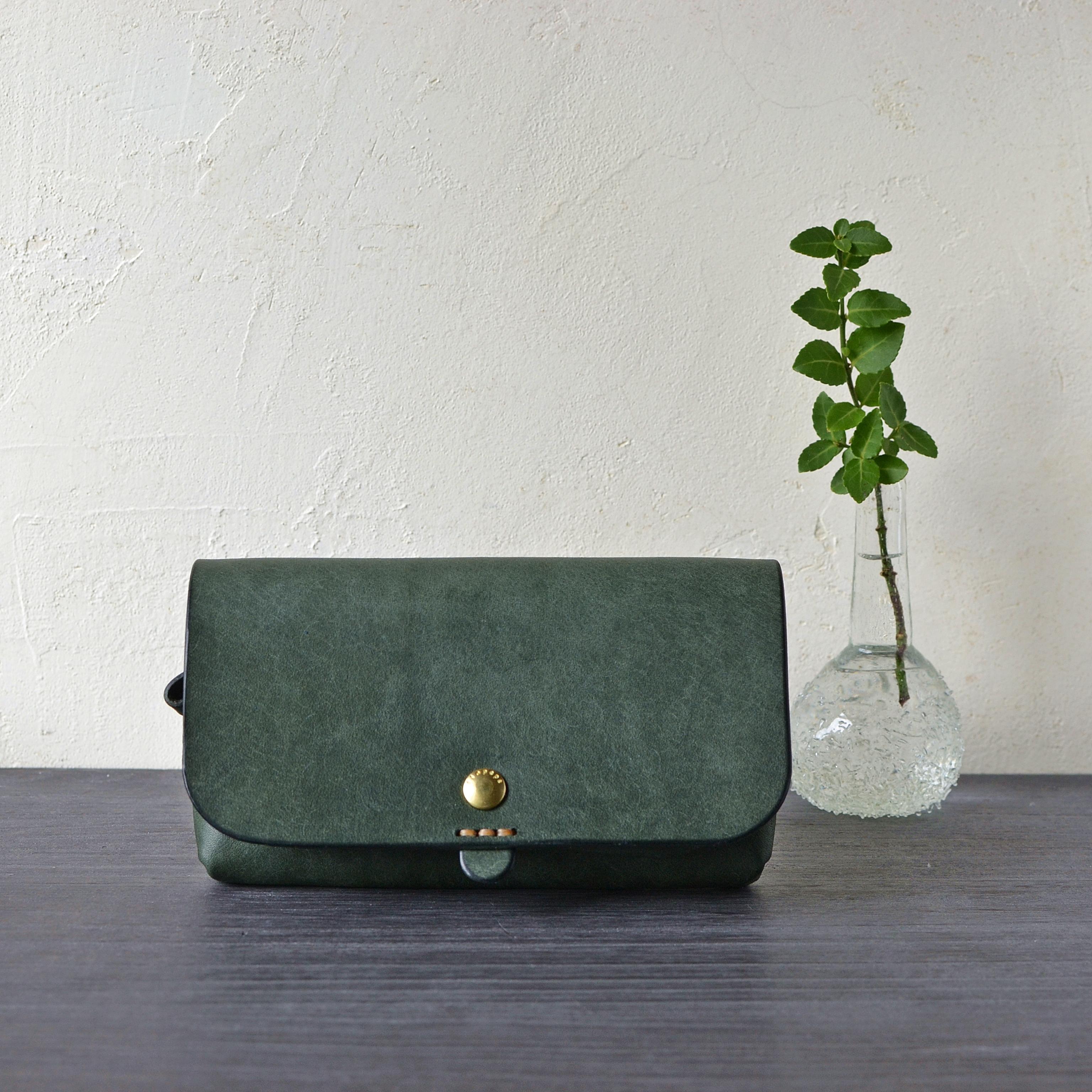 ふっくらぽってり長財布「テヘペロ・月桂樹」