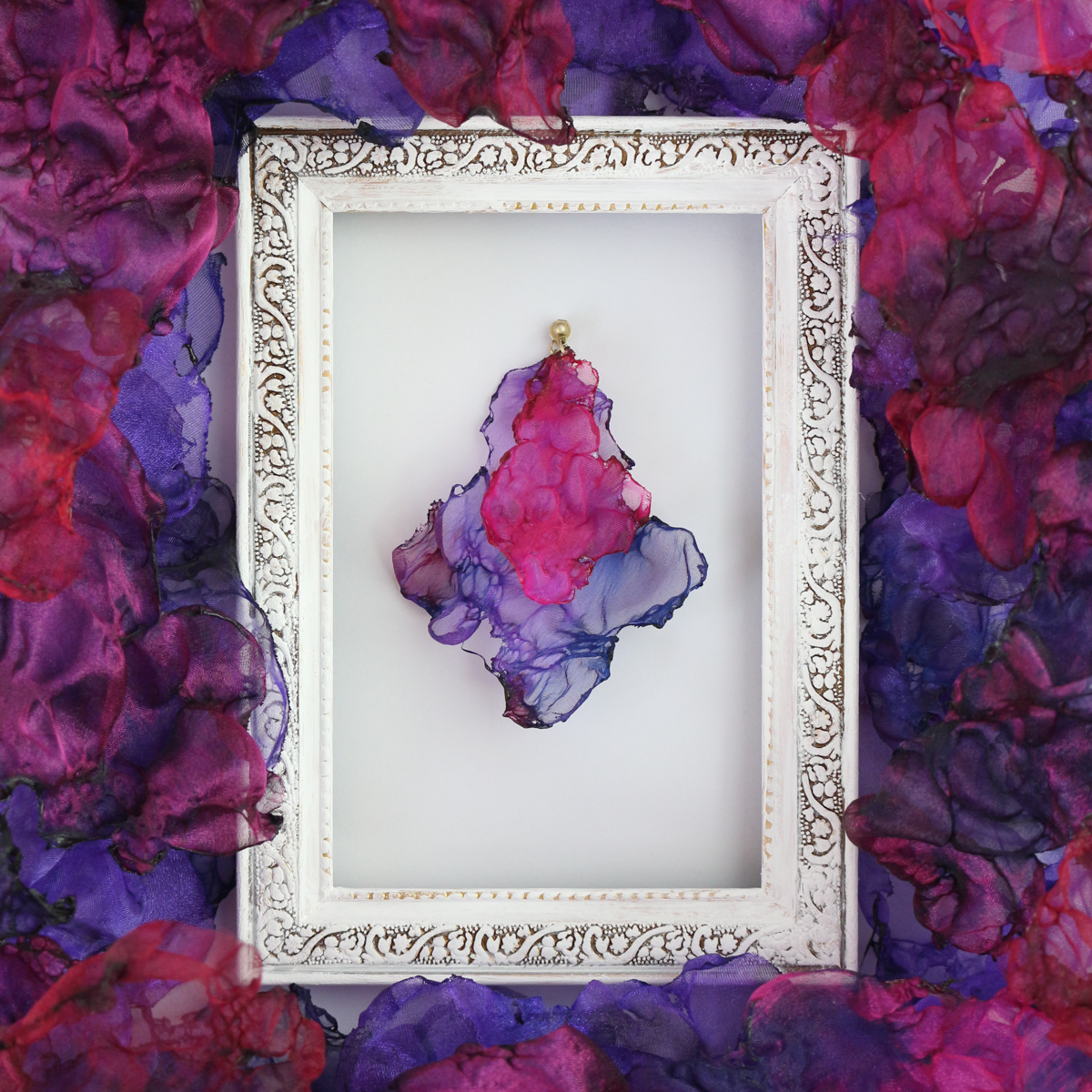 『夢想』魅惑の炎 no,4 |赤と紫のゆれるアートピアス