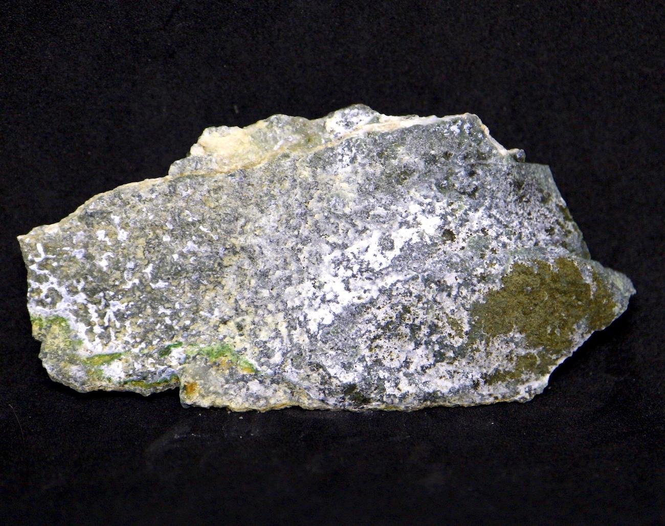 希少! カリフォルニア産  硬玉 翡翠 原石 ジェダイト 50,3g JDT006