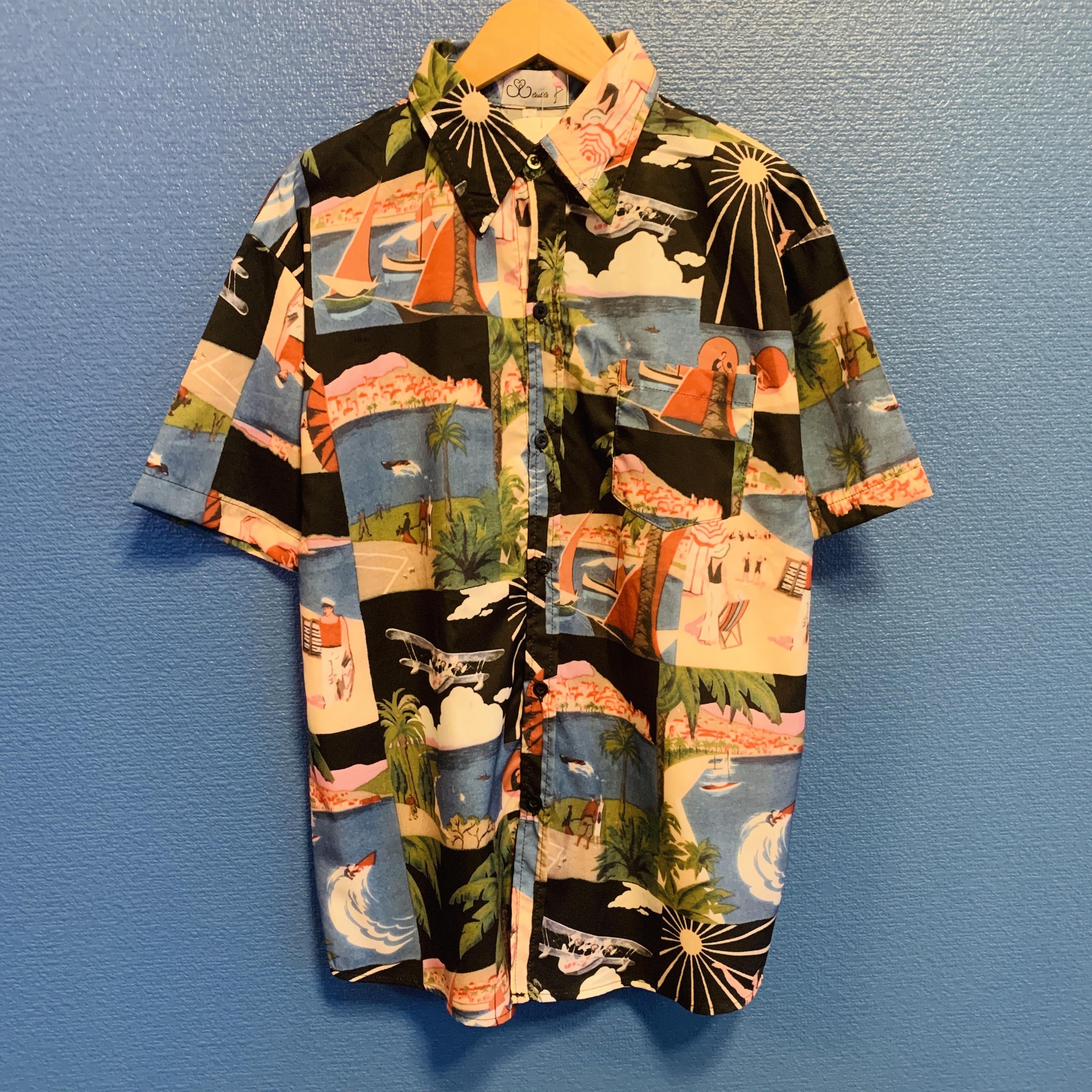 ビーチサイドのアロハシャツ