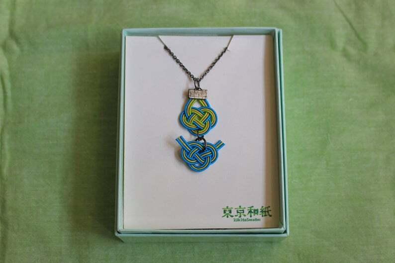 青と緑色Wあわじ水引結びのネックレス
