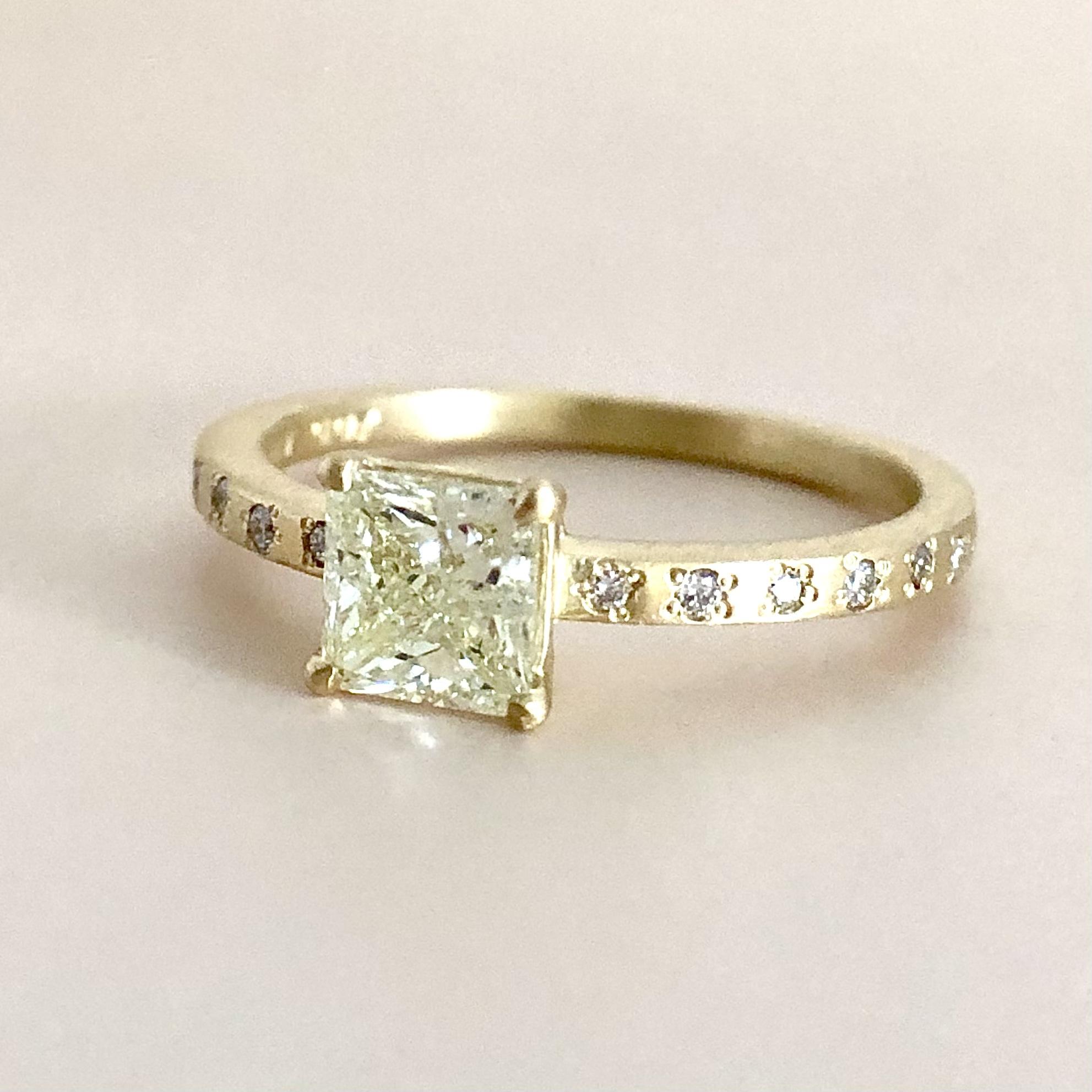 エメラルドカット  ダイヤモンド リング  0.547ct  K18イエローゴールド チェカ 鑑別書付